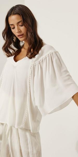 Μπλούζα με ρέλι και φαρδιά μανίκια