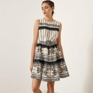 Φόρεμα αμάνικο με έθνικ μοτίβο
